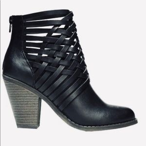 Fergalicious weever black  ankle booties